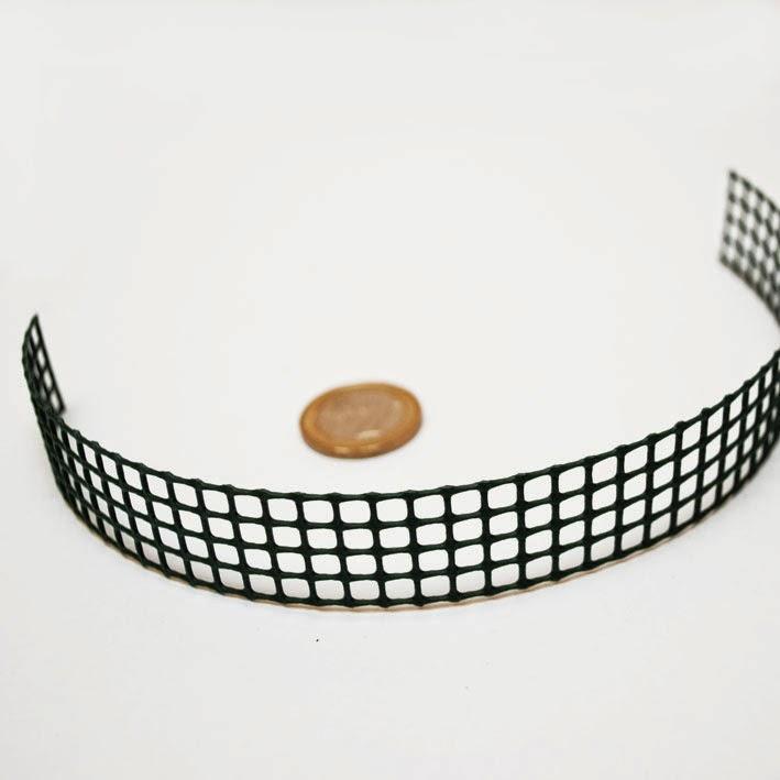 http://knittiamo.ecommerce.eu/index.php/b0013-rete-per-locker-hooking
