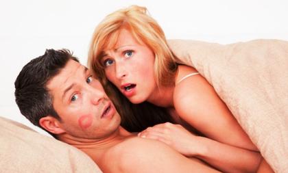 Download Novel Dating With The Dark karya Santhy Agatha