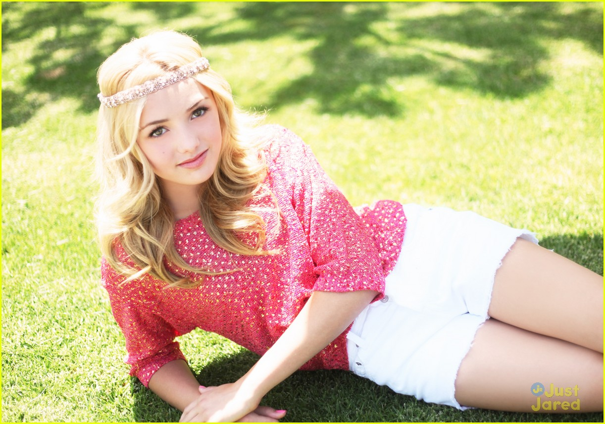 peyton list holly hills hot
