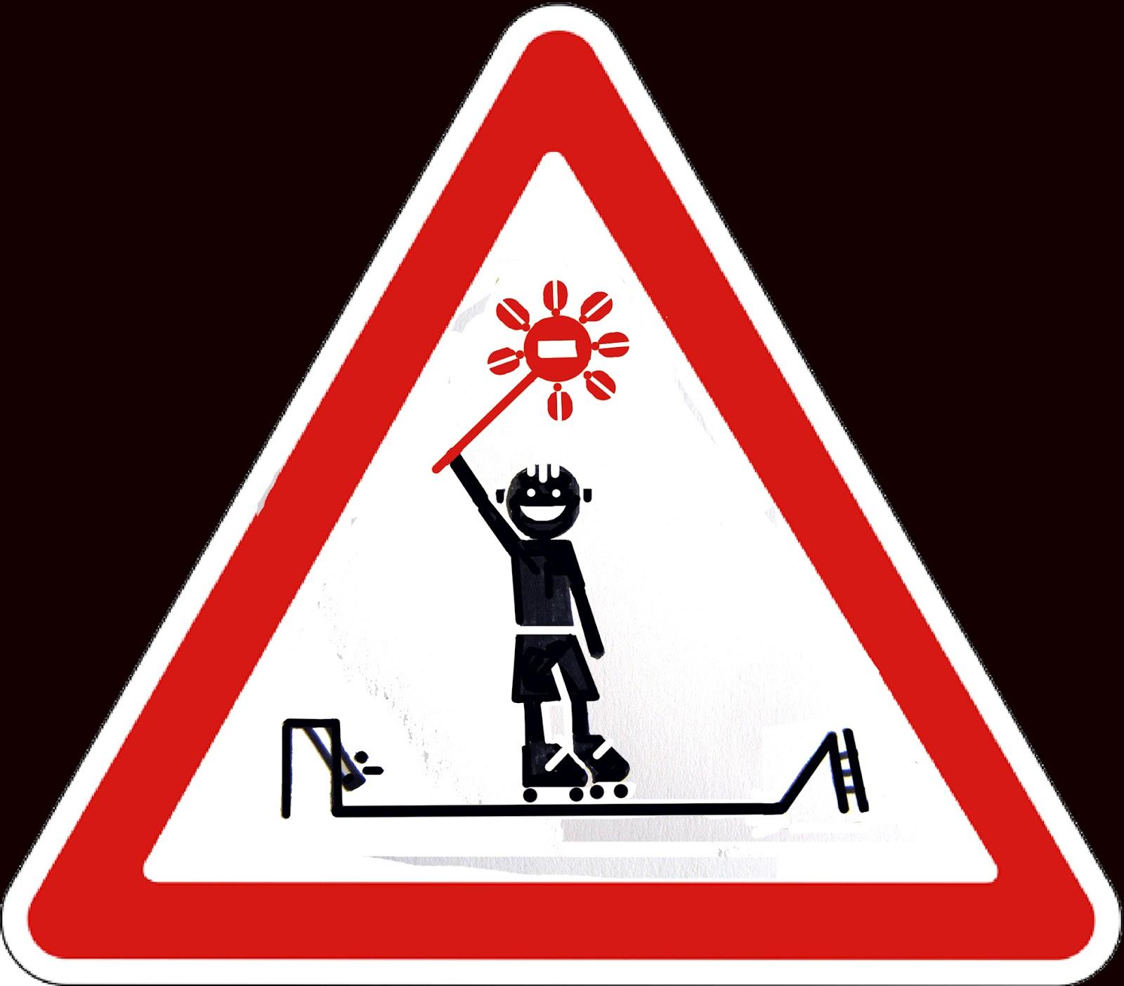 Дети придумали новый дорожный знак фото