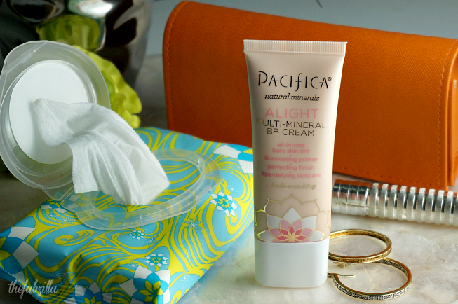 Pacifica Alight Multi-Mineral BB Cream, Pacifica, Purify Coconut Water Cleansing Wipes, Review, Giveaway