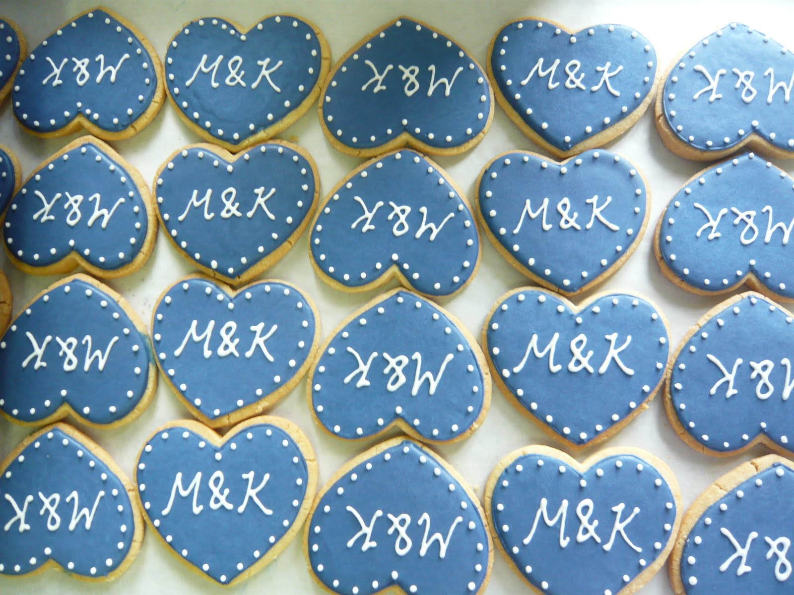 Sift: Wedding cookies and customized cupcakes