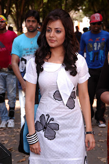 Nisha-Agarwal-Solo-Movie-Stills-CF-05.jpg