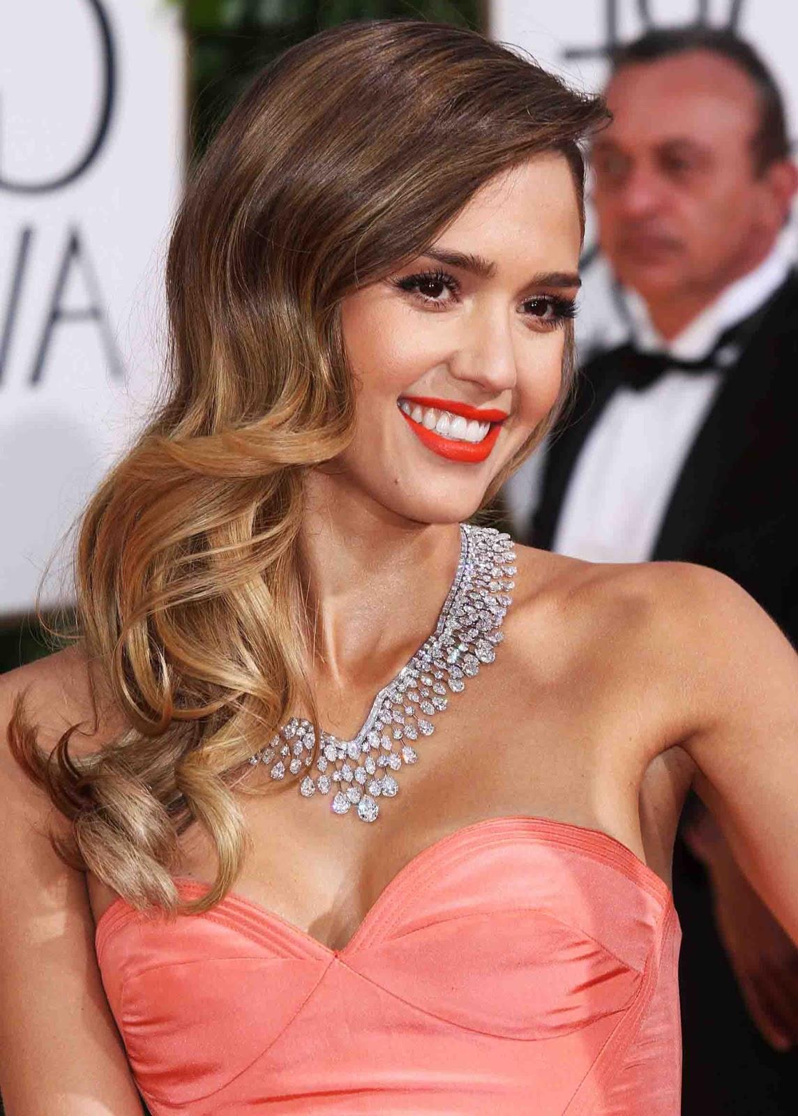 http://3.bp.blogspot.com/-9WBSpxcmN30/UPrjYtLQjbI/AAAAAAACrDI/f5-ZS4gAZNE/s1600/Jessica+Alba.jpg
