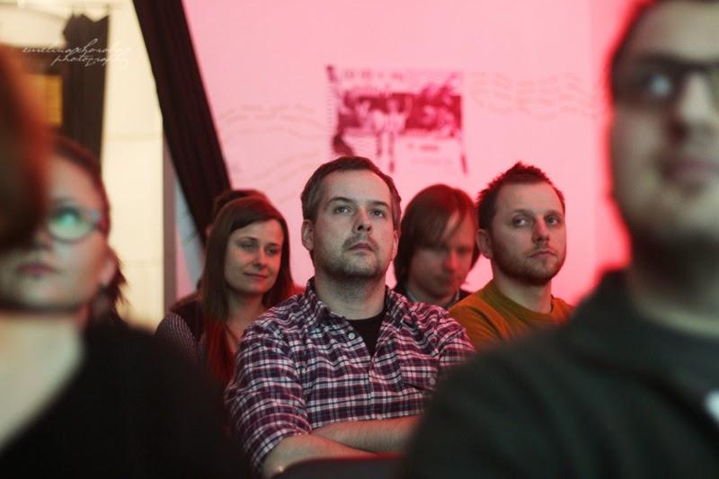 UX Faktoria Łódź, Ewelina Choroba Fotografia, mezczyzna prelekcja, spotkanie