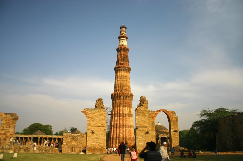 Tourist point in india about qutub minar delhi india for Archaeological monuments in india mural paintings