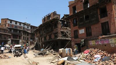 Cena do documentário Aftershock: Disaster In Nepal - Divulgação