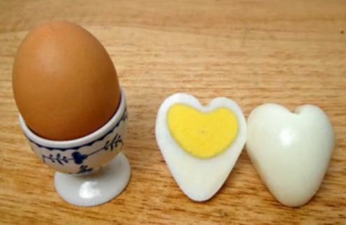 cara membuat telur bentuk hati