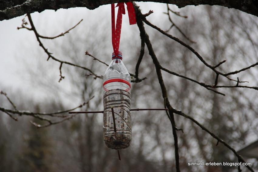 Vogelhaus pet flasche die besten 25 vogelhaus basteln ideen auf automatisches futterhaus - Wandmuster selber malen ...