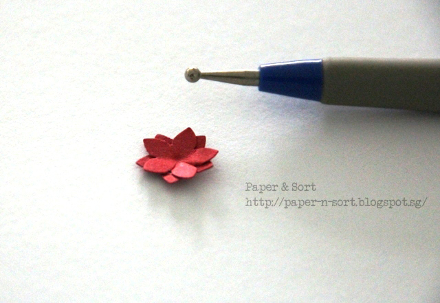 upcycle project - give paper flower some dimension