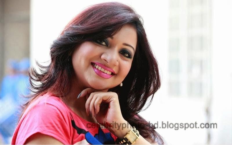Singer+Akhi+Alamgir+Hot+Photos003
