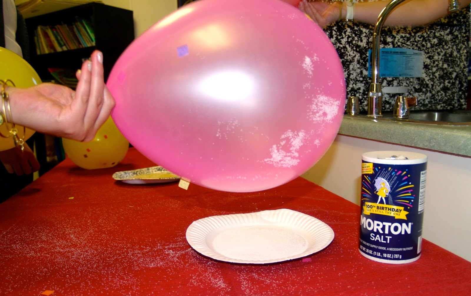 Teaching Science With Lynda Static Electricity Lesson With