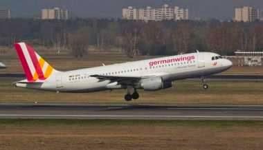 [FOTO] KRONOLOGIS PENYEBAB TRAGEDI PESAWAT GERMANWINGS A320 JATUH DI GUNUNG ALPEN 2015 LENGKAP