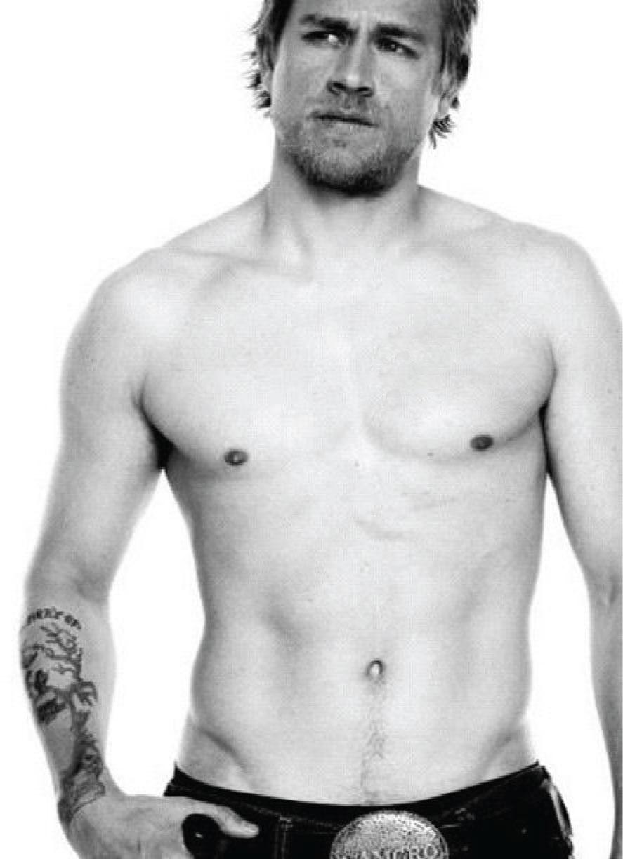 Wallpaper 2014 Charlie Hunnam Hot Shirtless