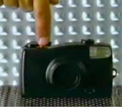 Propaganda das Pilhas Rayovac ricamente premiada, sendo a mais reconhecida peça da publicidade brasileira.