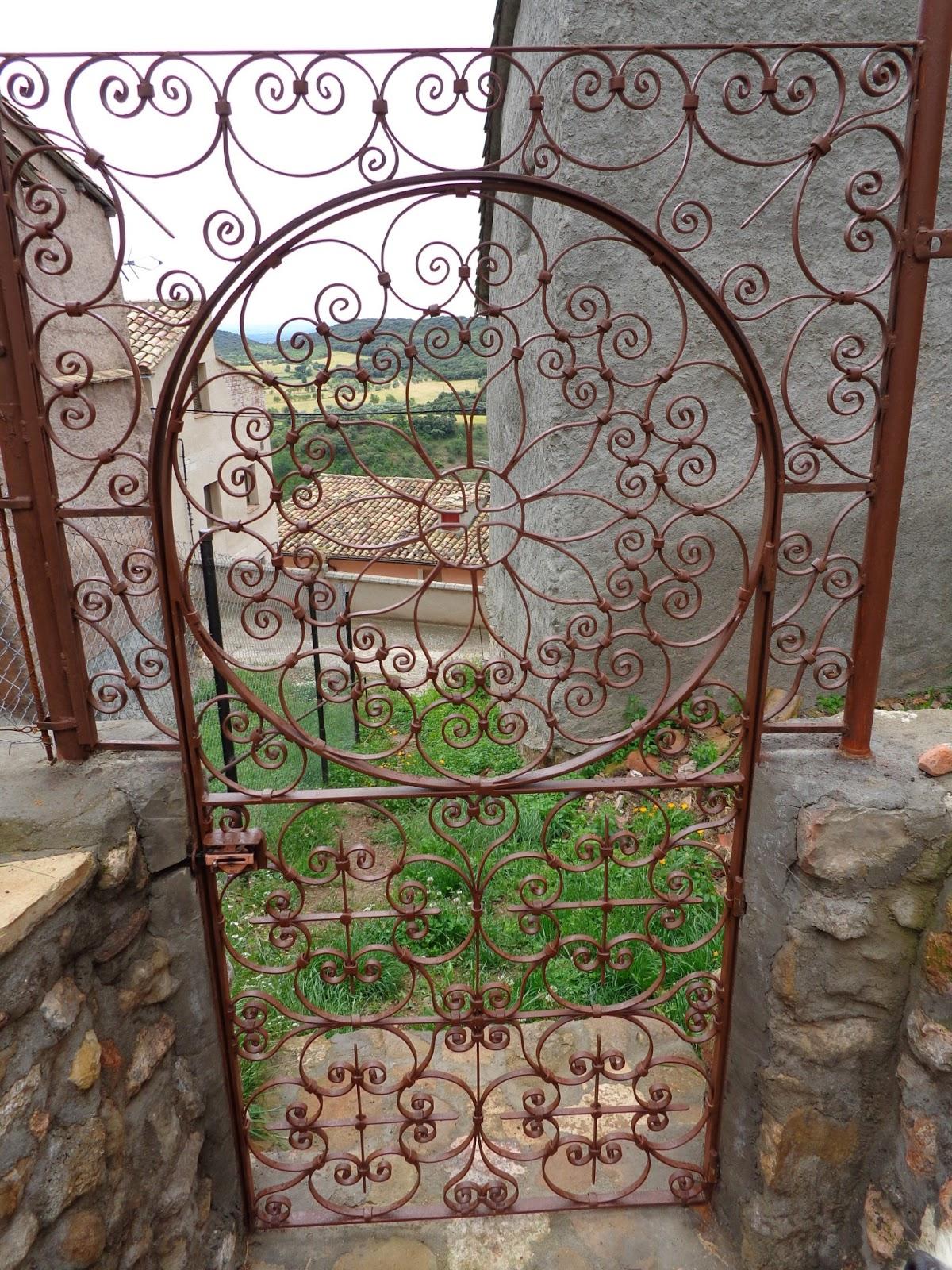 Mi forja yunque hierro y fuego - Puertas de hierro para jardin ...