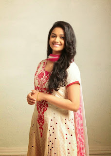 Keerthi Suresh HQ Pics in Cute Saree Sizzling Beauty