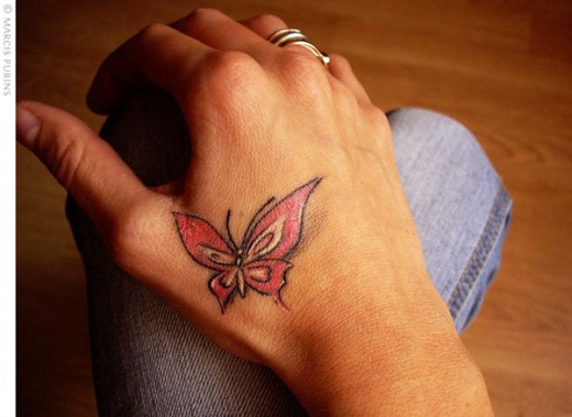 dil se desi blog beautiful butterfly tattoo designs on hands. Black Bedroom Furniture Sets. Home Design Ideas