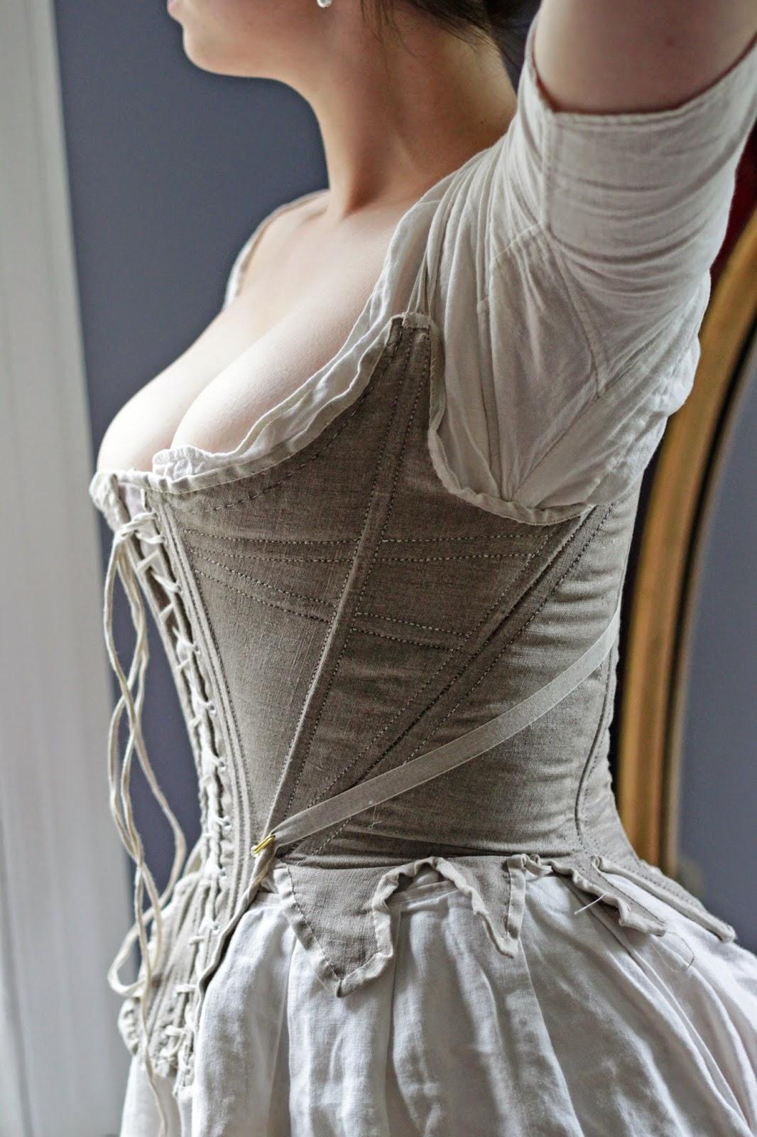 late 1800 fashion women