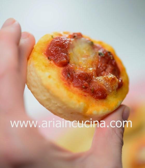 Blog di cucina di aria pizzette velocissime con yogurt for Cucinare yogurt greco
