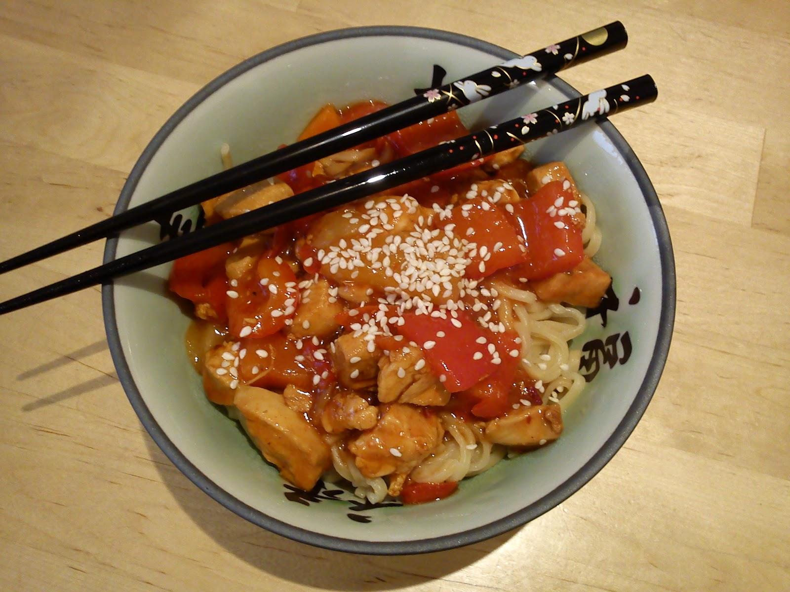 Tasty Bento: Hähnchen süß-sauer und mein Freund in der Küche...