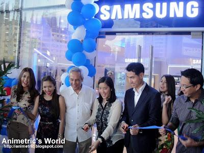 Samsung at Robinsons Magnolia