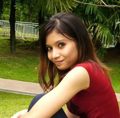 Awek Cun Baju Merah Memang Comel melayu bogel.com