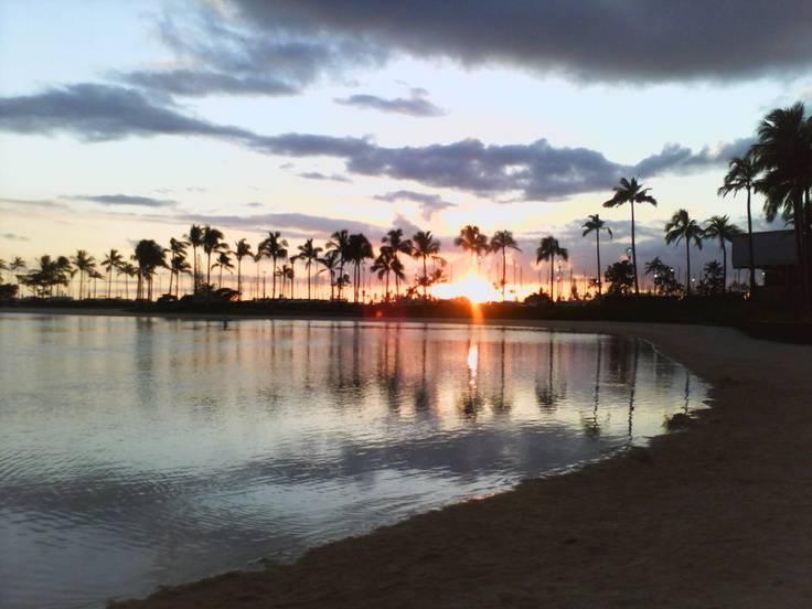 Waikiki beach hawaii best honeymoon destinations in usa for Best honeymoon destinations in usa