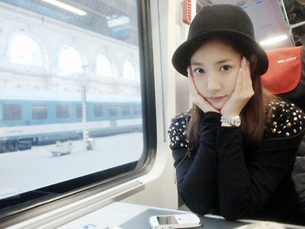 Park Min Young Shares A Recent Sel Ca Sparks Debate On Plastic