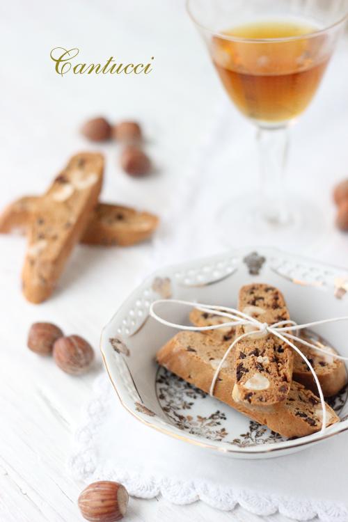 cantucci con farina di castagne e nocciole