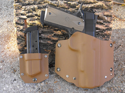 custom kydex in coyote tan