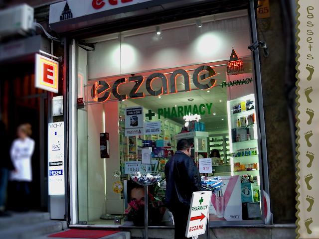 Eczane - Farmacia en el barrio Galata de Estambul