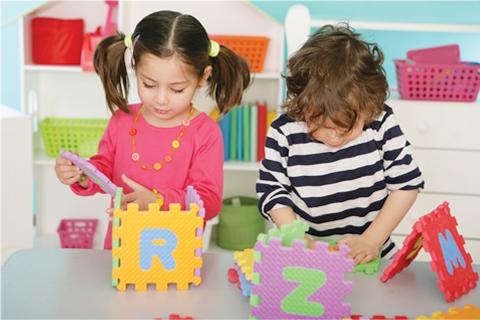 http://criandomultiples.blogspot.com niños jugando