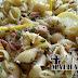 Salada integral de macarrão com atum