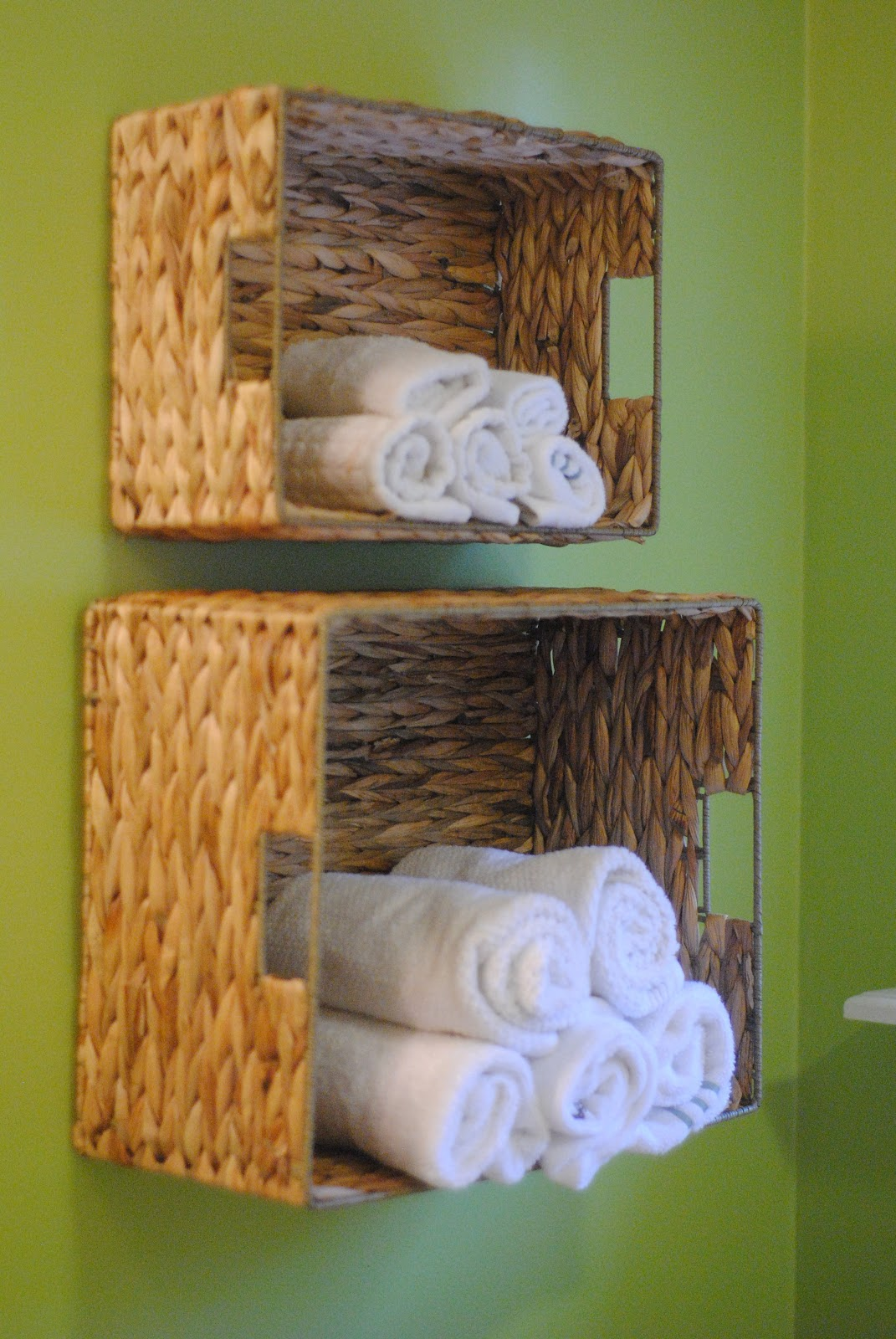 Bathroom wall storage baskets - Easy Bathroom Towel Storage Idea