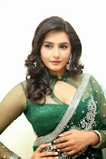 Ragini Dwivedi Glamorous photos in Green Saree-thumbnail-8