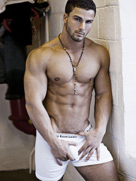 fotos hombres musculosos desnudos: