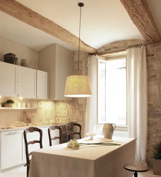 Muros de piedra rusticos interior design blogs - Muros de piedra ...