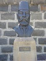 Süleyman Nazif Büstü