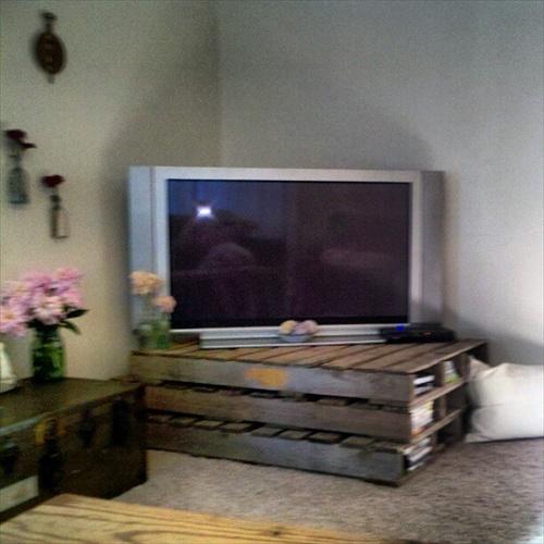 DIY Interior Furniture 14 Pallet TV Stand Styles Pallet