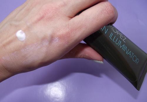 st-tropez-skin-illuminator-violet-swatch