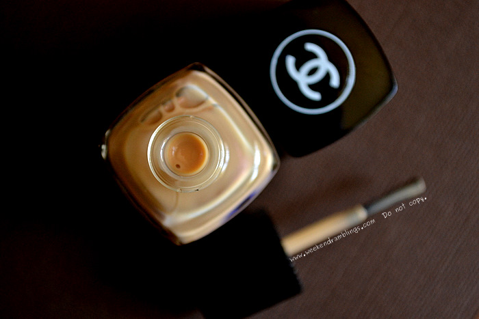 Chanel Le Vernis Nail Polish Beige Makeup Color Lacquer 565 Beauty Blog Reviews Swatches NOTD