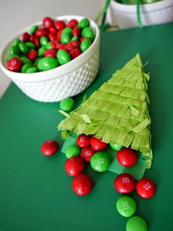 Árvore de Natal recheada de doces