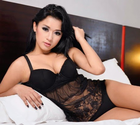 Download Foto Sexy Hot Tasia Deti,, model Popular-World No.316 edisi Mei 2014 | www.insight-zone.com