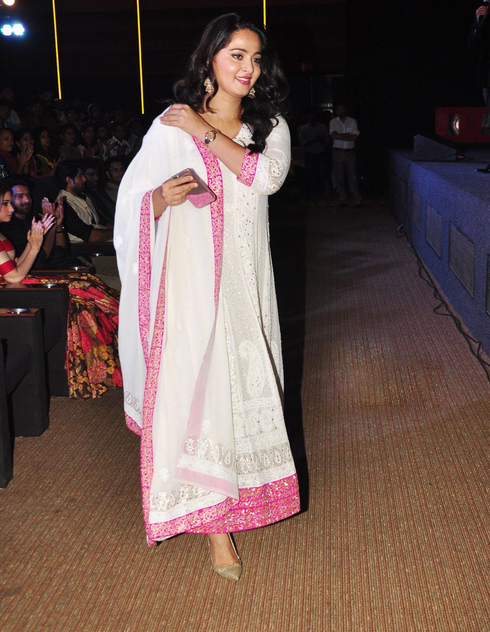 Anushka at Baahubali Hindi launch in Mumbai