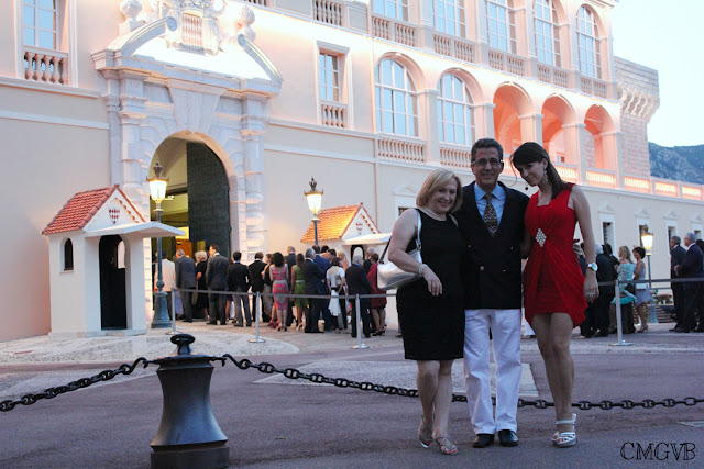 diana dazzling, fashion blogger, fashion, blog,  cmgvb, como me gusta vivir bien, Monaco, Monaco Palace, Palais Princier de Monaco, cour d'honneur du palais de monaco, Orchestre Monte-Carlo, Palace of Monaco, red dress