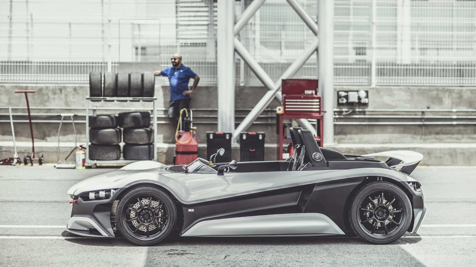 Vuhl 05 Track Day Car Born In Mexico City Powered By Detroit And