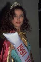 defne-samyeli-miss-turkey-1991