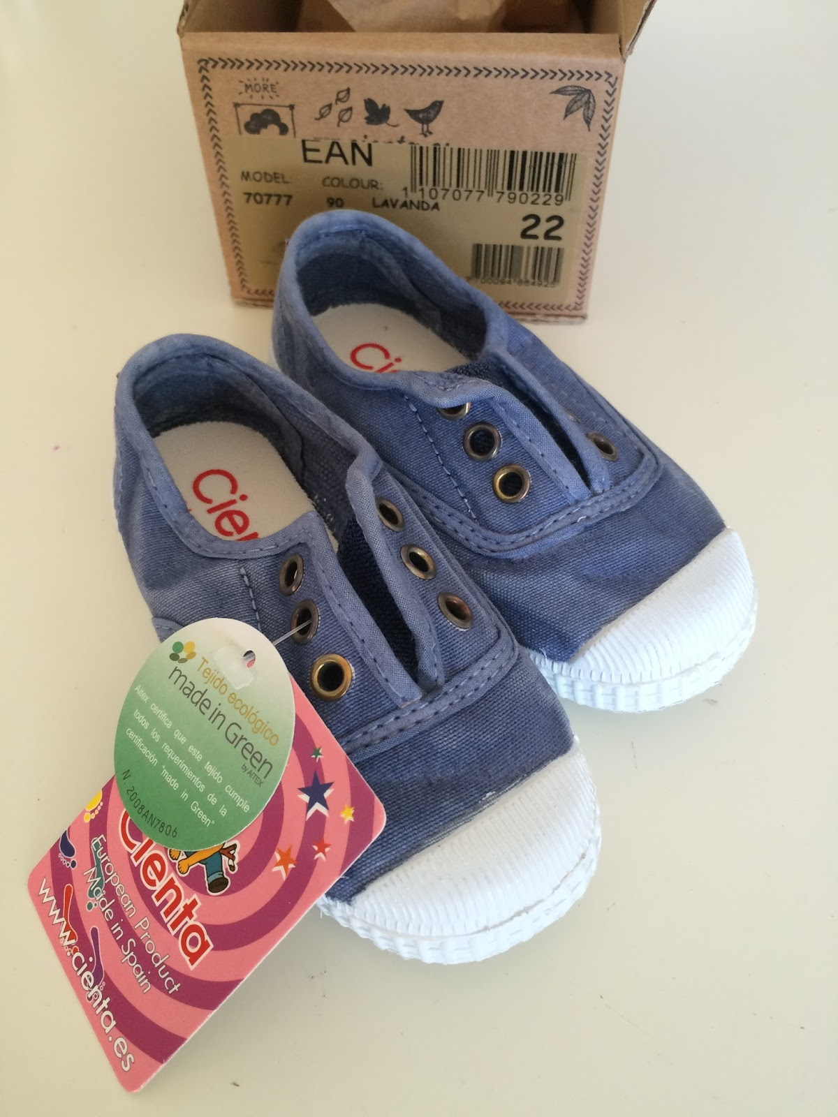 Mommy's Block Party: Scented Shoe Show: Cienta Shoes #Review