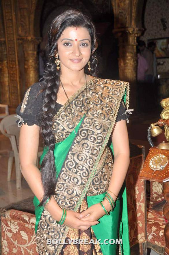 Suhasi Dhami in a green and black sari - Suhasi Dhami @  'Yahan Main Ghar Ghar Kheli' celebrates 700 episodes